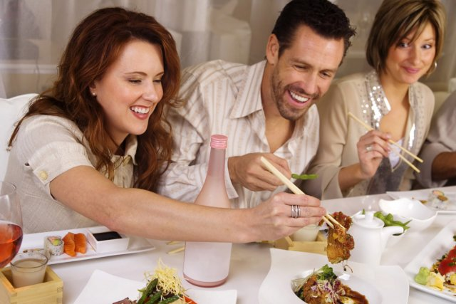Manger avec des amis pourrait faire grossir nutrition for Diner avec des amis