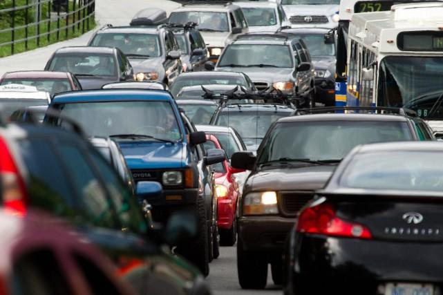 Congestion routière à l'entrée du pont Lions Gate,... (Photo Darryl Dyck, archives La Presse Canadienne)