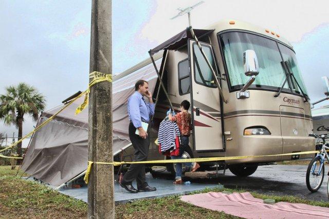 Le motorisé d'un couple de Québécois a été... (Photo fournie par Amy Beth Bennett du «Sun Sentinel»)