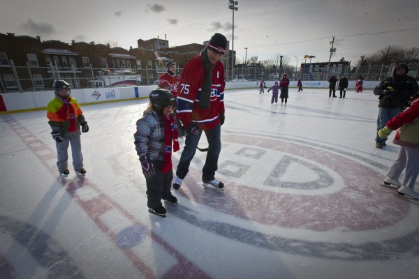 Destination Sherbrooke appuie le projet de patinoire extérieure réfrigérée du... (Archives La Presse)