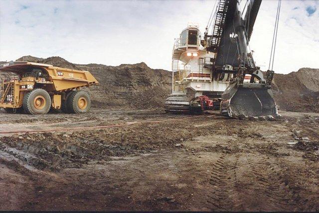 Les capitaux consacrés au développement des sables bitumineux... (Photothèque Le Soleil)