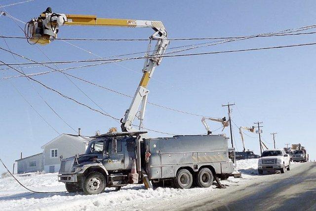 Cent cinquante employés d'Hydro-Québec sont à pied d'oeuvre... (Photo fournie par Diane Hébert)