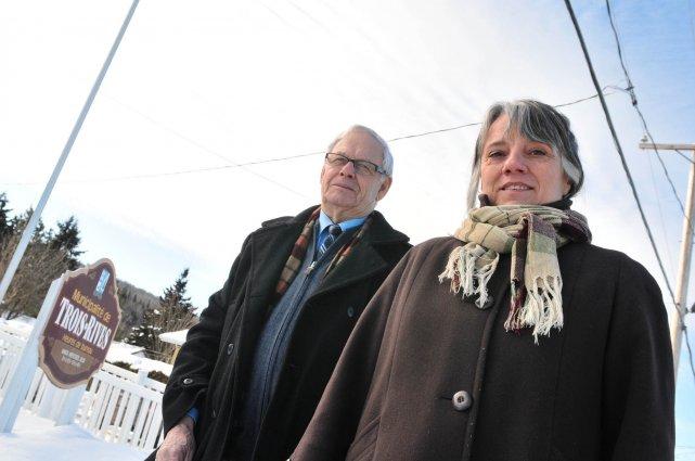 Le maire de Trois-Rives, Lucien Mongrain et la... (Photo: Émilie O'Connor)