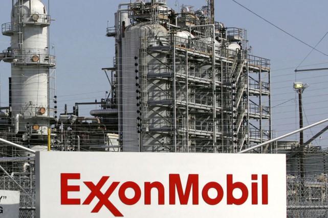 La pétrolière ExxonMobil (XOM) a réussi à limiter l'impact... (Photo archives Reuters)