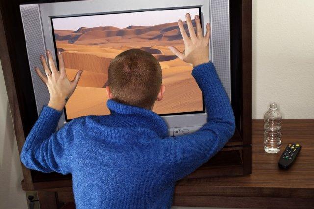 Il n'y a pas si longtemps, on disait que regarder la télévision était un loisir... (Photos.com)