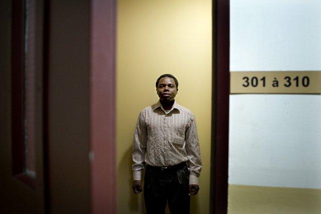Cyprien, Rwandais d'origine, essaie de faire venir ici... (Photo: Marco Campanozzi, La Presse)