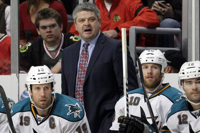 L'entraîneur-chef des Sharks de San Jose, Todd McLellan.... (Photo archives AP)
