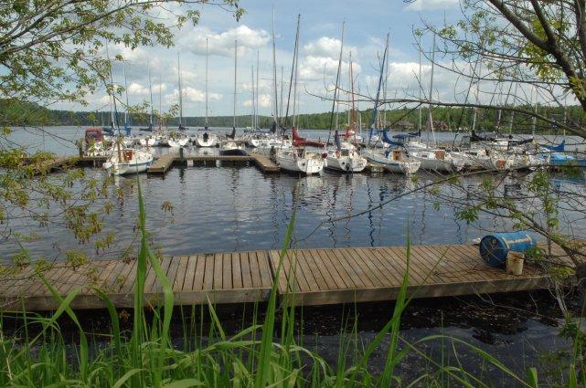 La marina de Grandes-Piles devra sans doute encore... (PHOTO D'ARCHIVES ÈVE GUILLEMETTE)