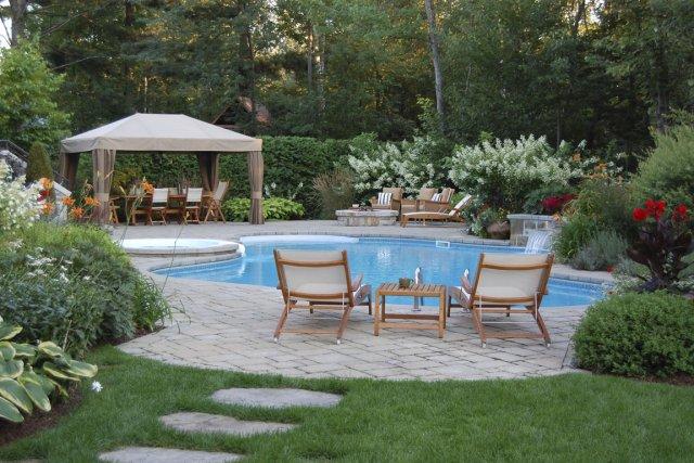 Beaux jardins le signal du printemps marie france l ger cour et jardin - Prix amenagement jardin ...