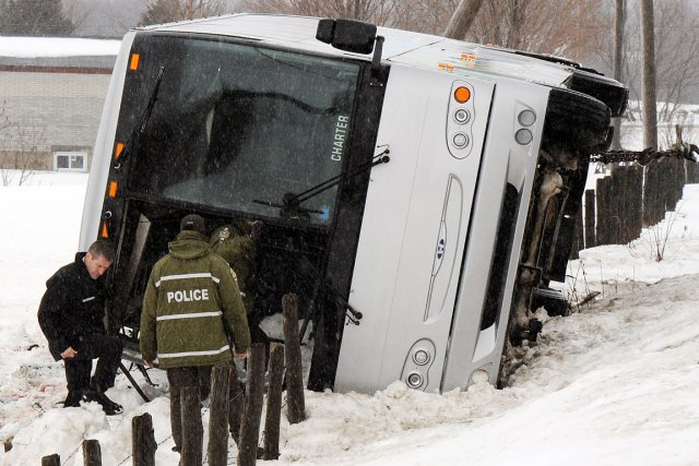 Un accident impliquant un autocar a fait deux... (Photo: Erick Labbe, Le Soleil)