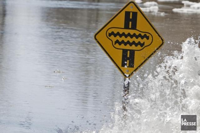 En 2011, d'importantes inondations ont touché la Vallée... (Photo: Marco Campanozzi, Archives La Presse)