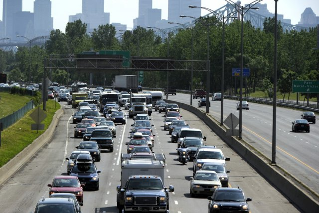 Pour contrer le «problème réel» de la congestion routière, qui coûterait plus... (Photo: Bernard Brault, Archives La Presse)