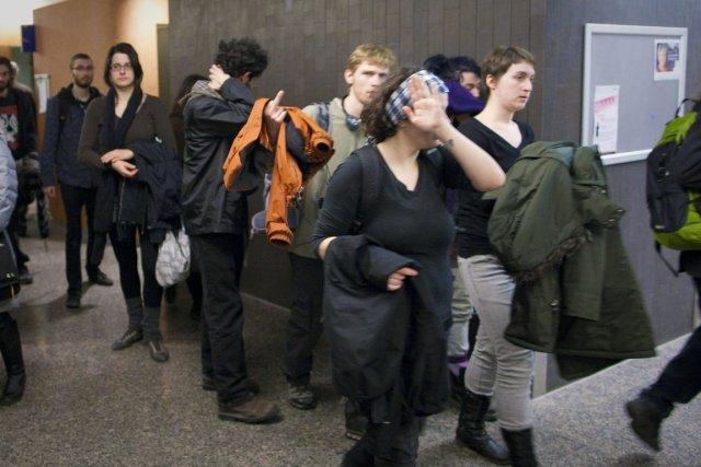 Cin étudiants sont accusés d'entrave au travail des... (Photo: André Pichette, La Presse)