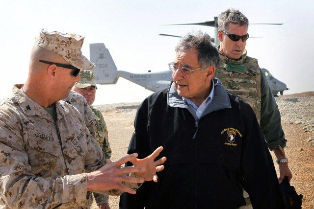 M. Panetta a d'abord rencontré des chefs de... (Photo: Reuters)