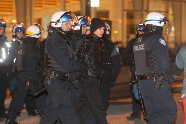 226 personnes ont été arrêtées hier soir dans... (PHOTO ANDRE PICHETTE, LA PRESSE)