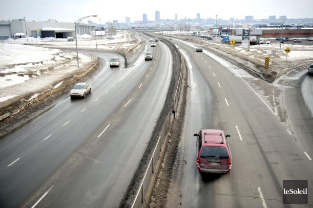 L'autoroute Laurentienne... (Photothèque Le Soleil)