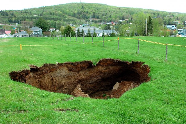 Affaissement de terrain charlesbourg il y a 450 millions for Meuble croteau charlesbourg