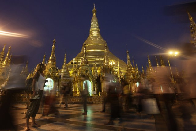 La pagode Shwedagon à Rangoon.... (Photo Associated Press)