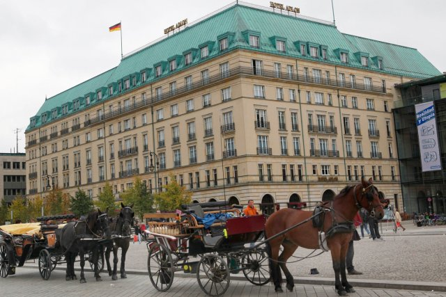 Le célèbre Adlon au coeur de Berlin.... (Photo AFP)