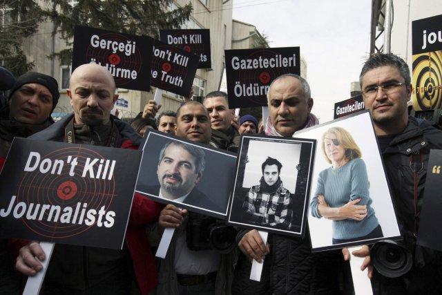 Trois journalistes étrangers ont été tués en Syrie... (Photo: Burhan Ozbilici, Archives AP)