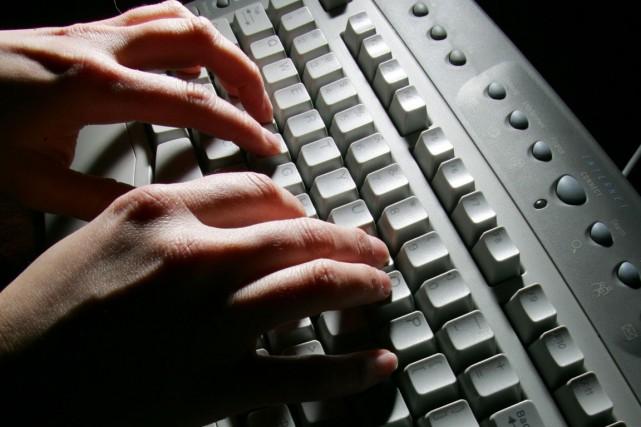 Le renouvellement de 738 000 ordinateurs personnels dans  l'administration... (Archives La Presse Canadienne)