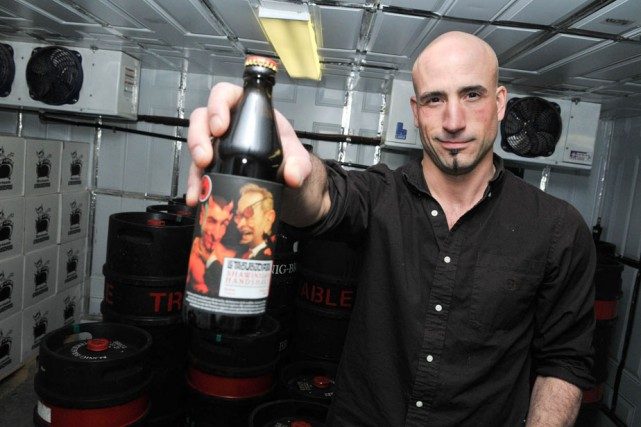 Isaac Tremblay de la microbrasserie Le Trou du... (Photo: Émilie O'Connor)