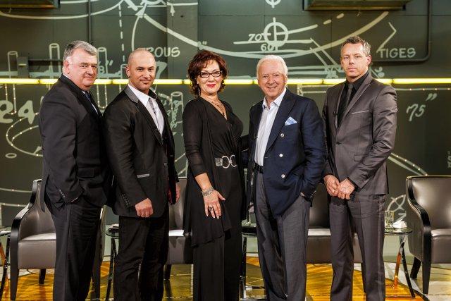 Les cinq dragons: Normand Legault, Dany Vachon, Danièle... (Photo fournie par Radio-Canada)