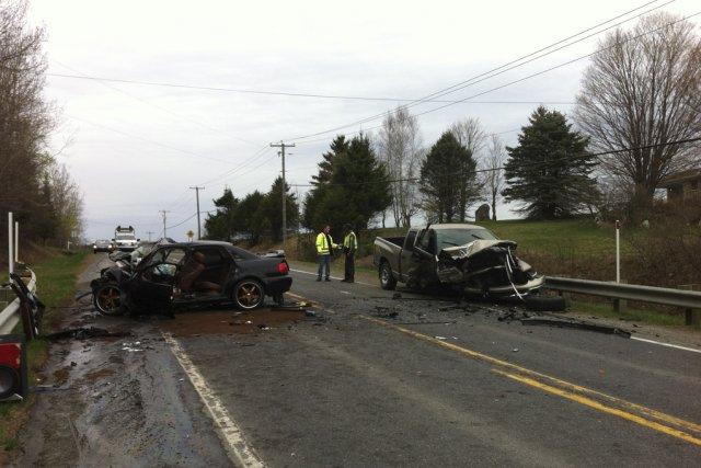 La collision survenue entre une voiture et un... (photo Janick Marois)