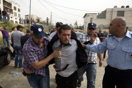 Mercredi dernier, la police israélienne a évacué une... (Photo: AFP)