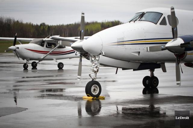 En perdant cette liaison aérienne permanente, l'Aéroport de... (Étienne Ranger, archives LeDroit)