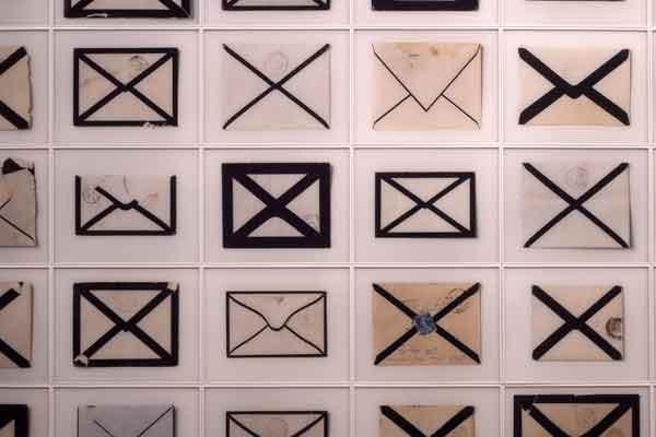 Arnaud Maggs présente ses oeuvres dans le cadre... (Photo courtoisie)