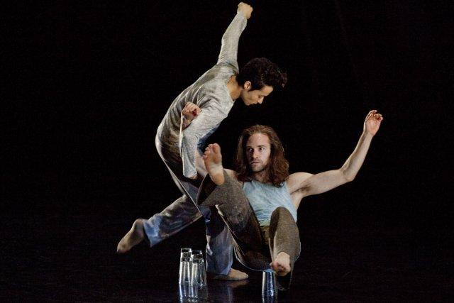 Kenji Matsuyama Ribeiro et Jean-Sébastien Couture dans Le... (Photo: fournie par Les Grands Ballets canadiens)