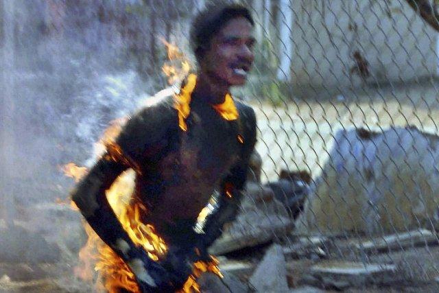 Srikantha Chary, étudiant indien du Telangana, s'est immolé... (Photo: archives AP)