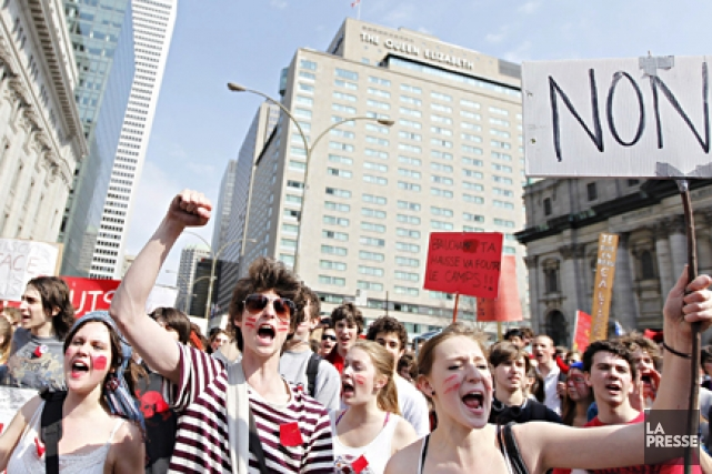 Le texte finalement approuvé par l'ensemble des associations étudiantes samedi... (Photo: Marco Campanozzi, archives La Presse)