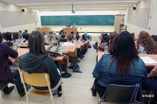 Classe à l'Université Laval.... (Photothèque Le Soleil, Jean-Marie Villeneuve)