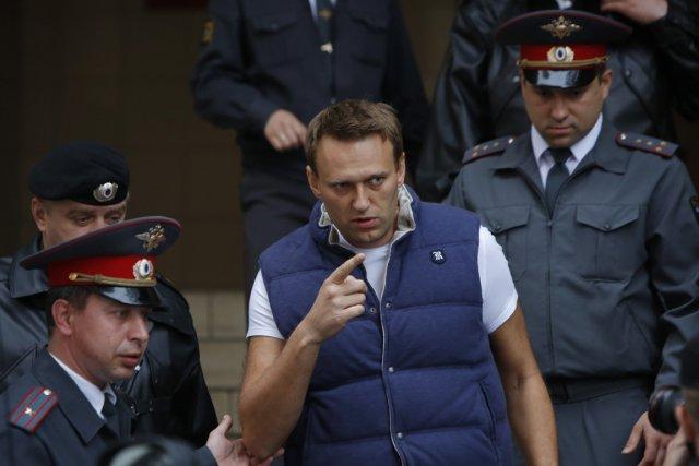 Le blogueur Alexeï Navalny (photo) et le dirigeant... (Photo : Alexander Zemlianichenko, AP)