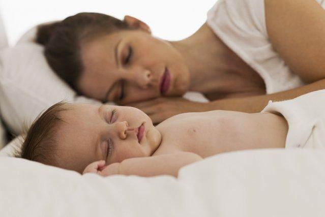 Une mère et son bébé....