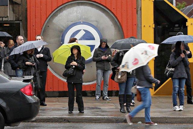 Des engins fumigènes ont paralysé le métro jeudi.... (Photo: Patrick Sanfaçon, La Presse)