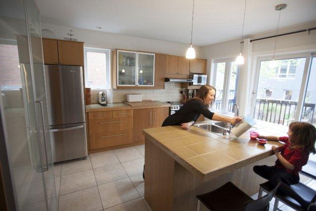 combien coute la pose d une cuisine ikea cuisine ikea peinture ardoise ct maison des parois de. Black Bedroom Furniture Sets. Home Design Ideas