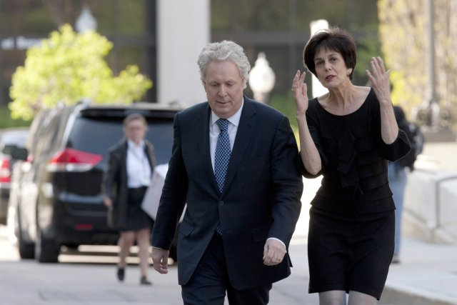 La nouvelle ministre de l'Éducation, Michelle Courchesne et... (Photo: PC)
