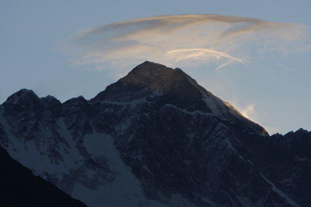Quatre alpinistes sont morts en redescendant du mont Everest, ont  indiqué... (Photo : Binod Joshi, AP)