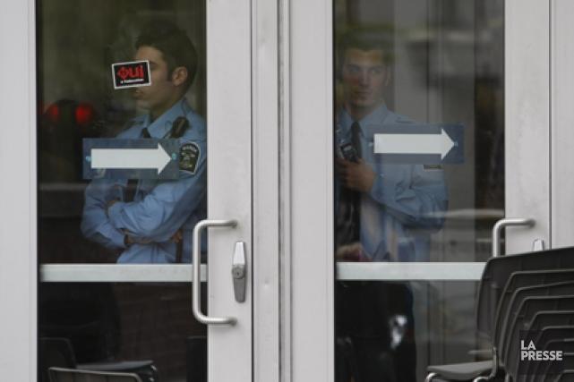 La présence d'agents de sécurité s'est faite plus... (Archives La Presse)