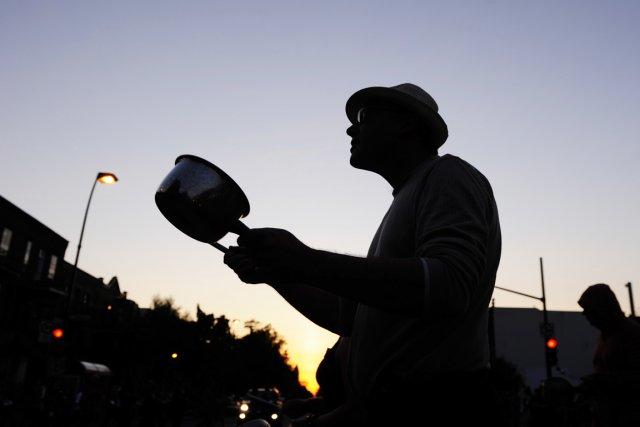 Manifestation au son des casseroles à Montréal, le... (Photo: Bernard Brault, La Presse)