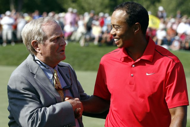 Jack Nicklaus et Tiger Woods... (Photo: Reuters)