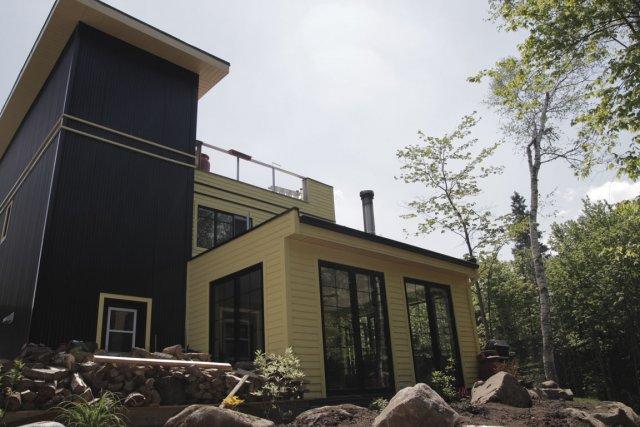 la maison est dans le conteneur carole thibaudeau maisons. Black Bedroom Furniture Sets. Home Design Ideas