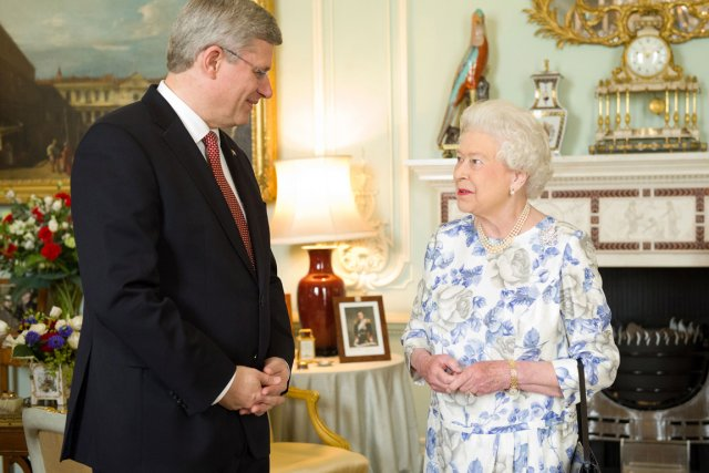Stephen Harper lors d'une visite en Angleterre pour... (Photo PC)