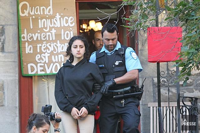 Yalda Machouf-Khadir lors de son arrestation.... (Photo Patrick Sanfaçon, Archives La Presse)