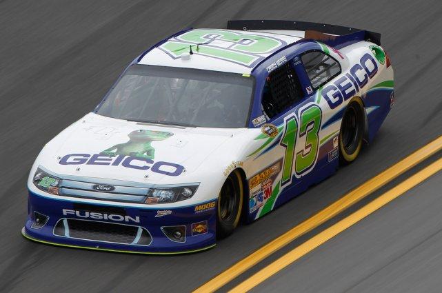 En série Sprint, Casey Mears arbore sans gêne... (Photo fournie par NASCAR)