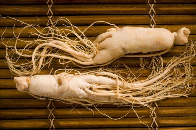 Le ginseng consommé en pilule de 2000 mg... (Photo Photos.com)