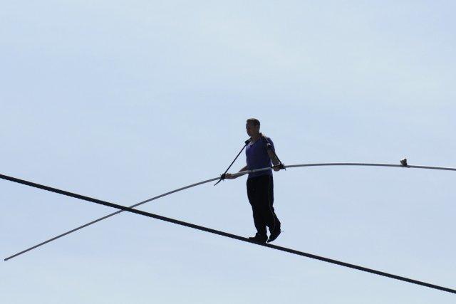 L'équilibriste Nik Wallenda aura répété durant près d'un... (Photo: Reuters)